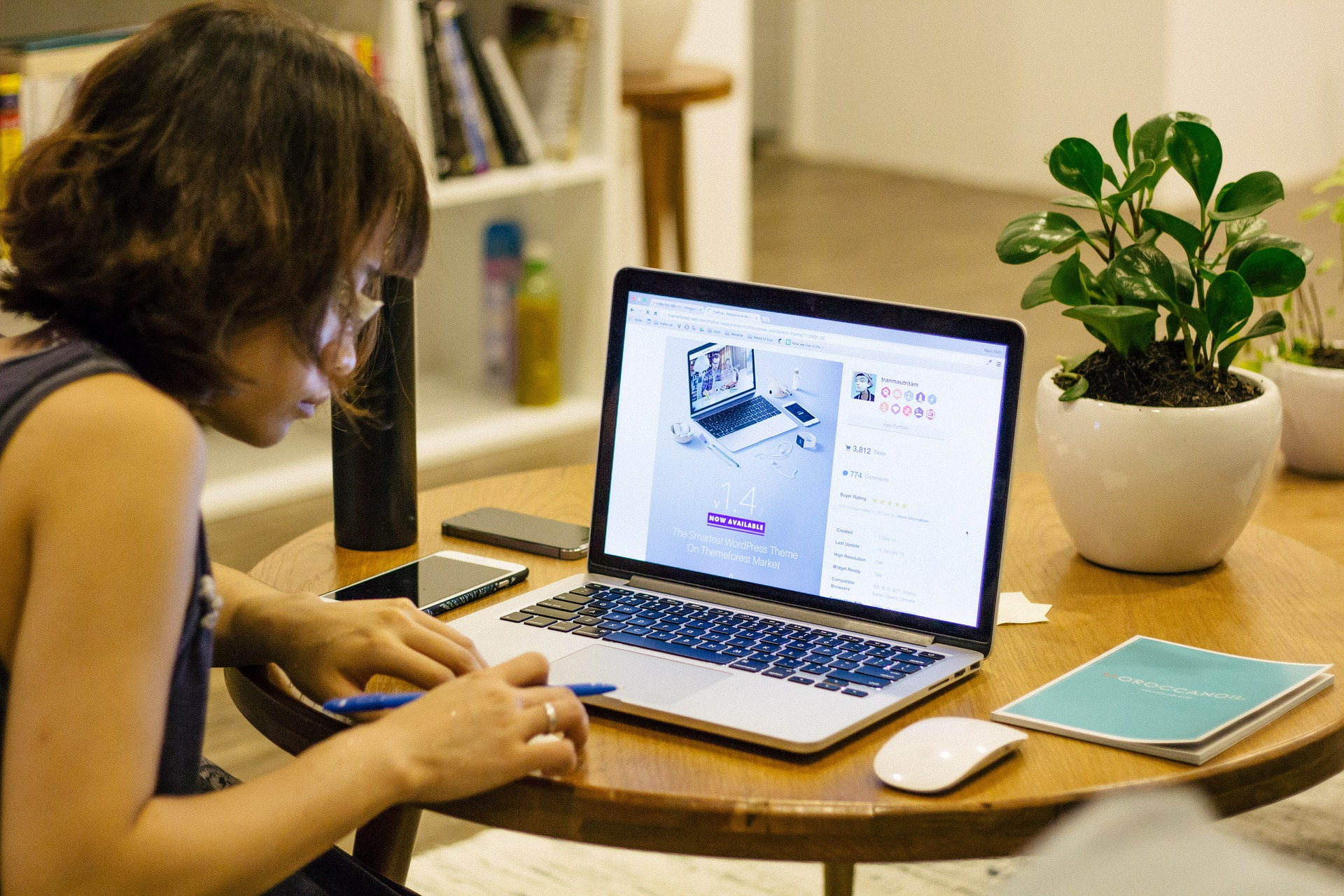 5 Ways to Design Your Home Office With Productivity in Mind