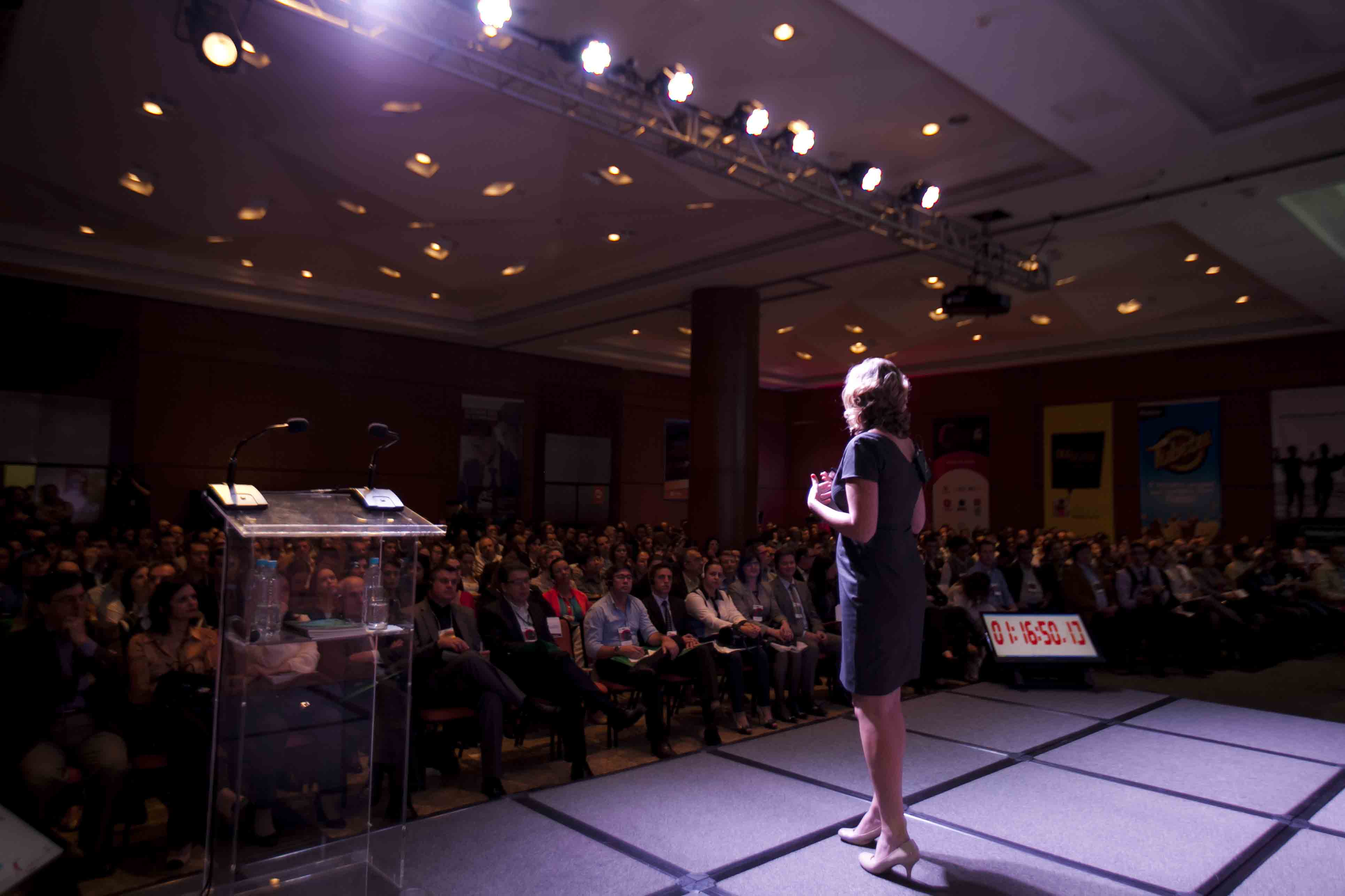 How Successful Women Think (Podcast #48)