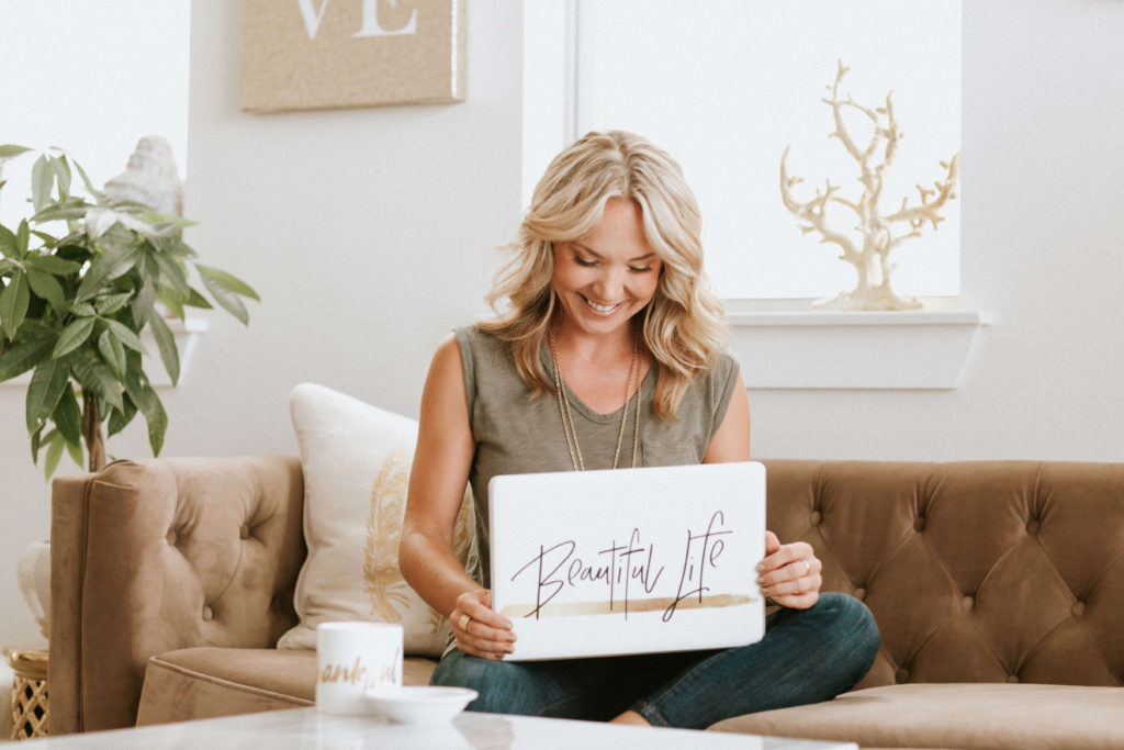 inspiring woman home office ideas | 5 Inspiring Home Office Decor Ideas - Classy Career Girl