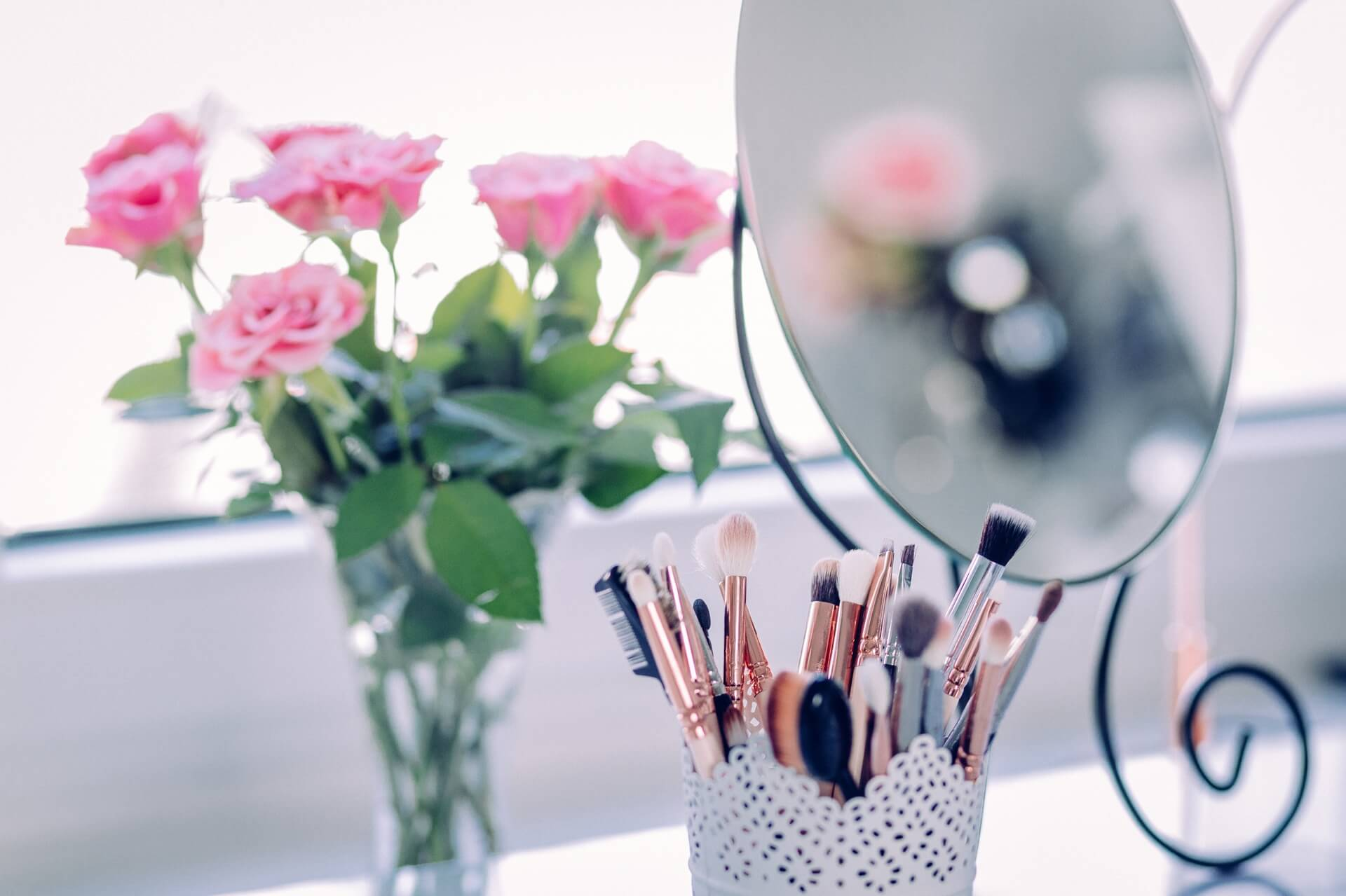 7 Time-Saving Hacks For Your Makeup Routine