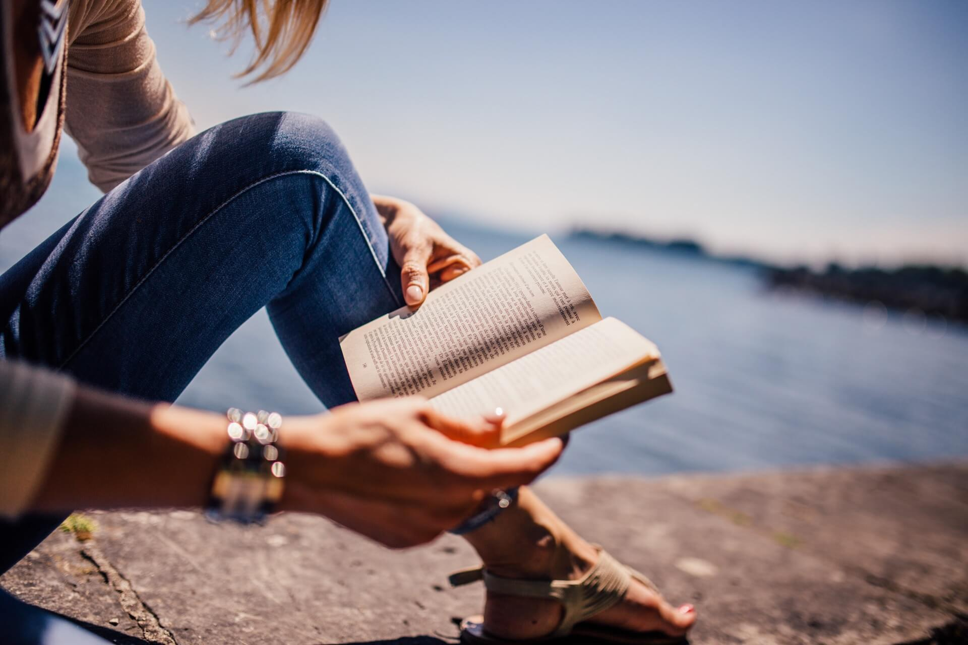 10 Best Books Every Job Seeker Should Read
