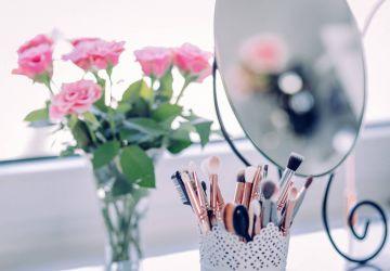 7 Time-Saving Hacks For Your Makeup Routine