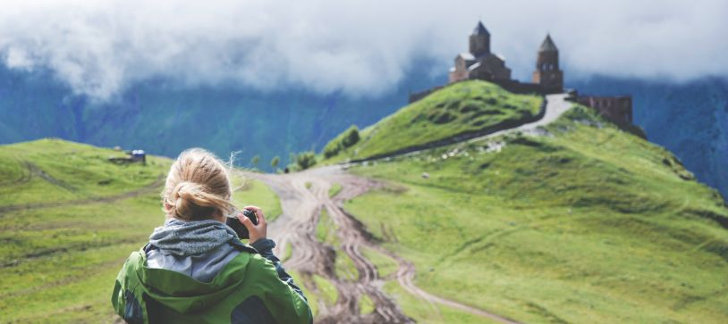 5 Ways to Keep Your Career on Track While You Travel